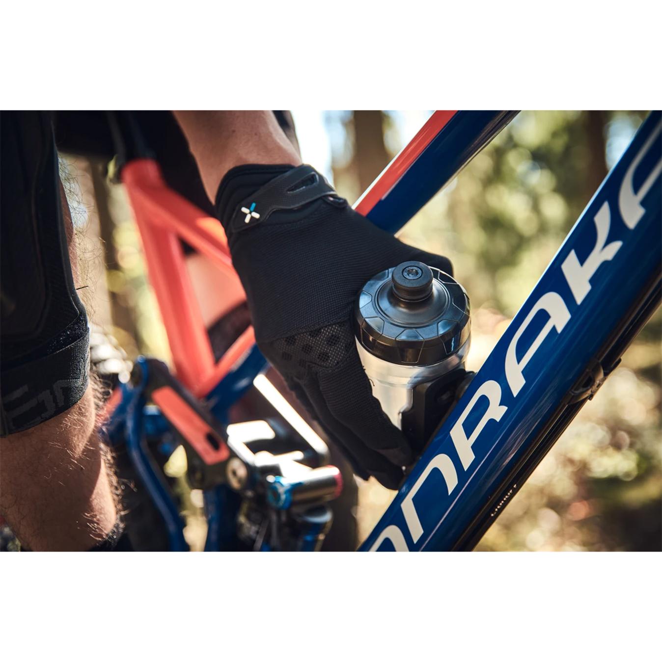 Fidlock TWIST BPA-free Bicycle Water Bottle 590ml Bike Base Transparent Black